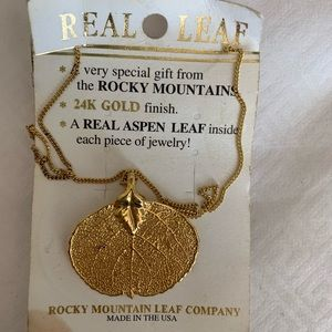 Jewelry - NWT 24K gold dipped real Aspen Leaf necklace